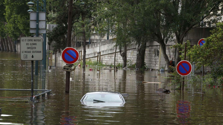 El Louvre 'se ahoga' por  falta de previsión: las inundaciones de París hacen mella en él