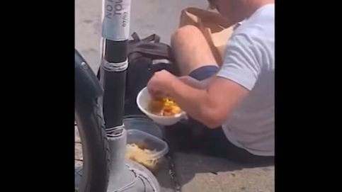 Cazan a un repartidor robando comida del pedido de uno de sus clientes