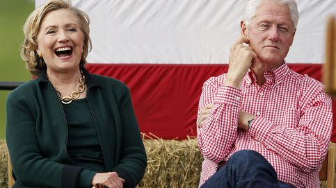 Los Clinton: Hillary se lleva los flashes, Bill los dólares