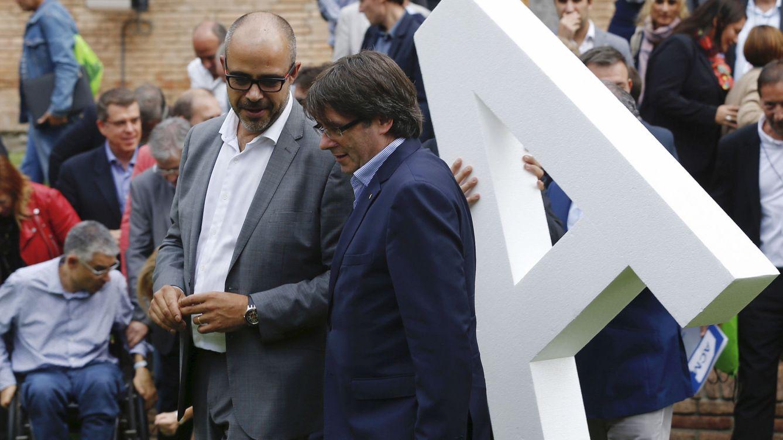 La Fiscalía se querella contra Buch por poner un escolta ilegal a Puigdemont