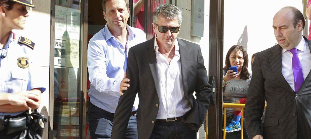 Foto: El padre de Messi, a la salida de los juzgados tras declarar por presunto fraude fiscal.