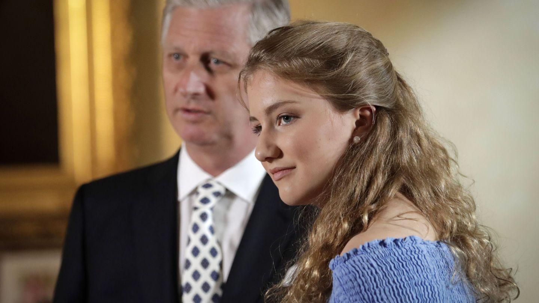 La princesa Elisabeth junto a su padre, el rey Felipe. (EFE)