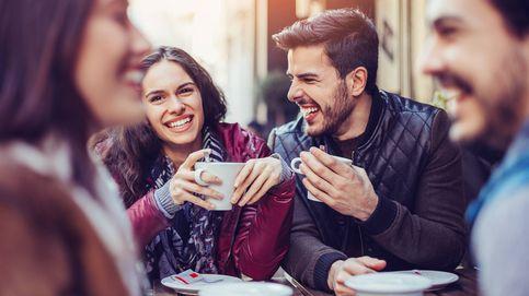 Cómo saber si coquetean contigo, según un experto en lenguaje corporal