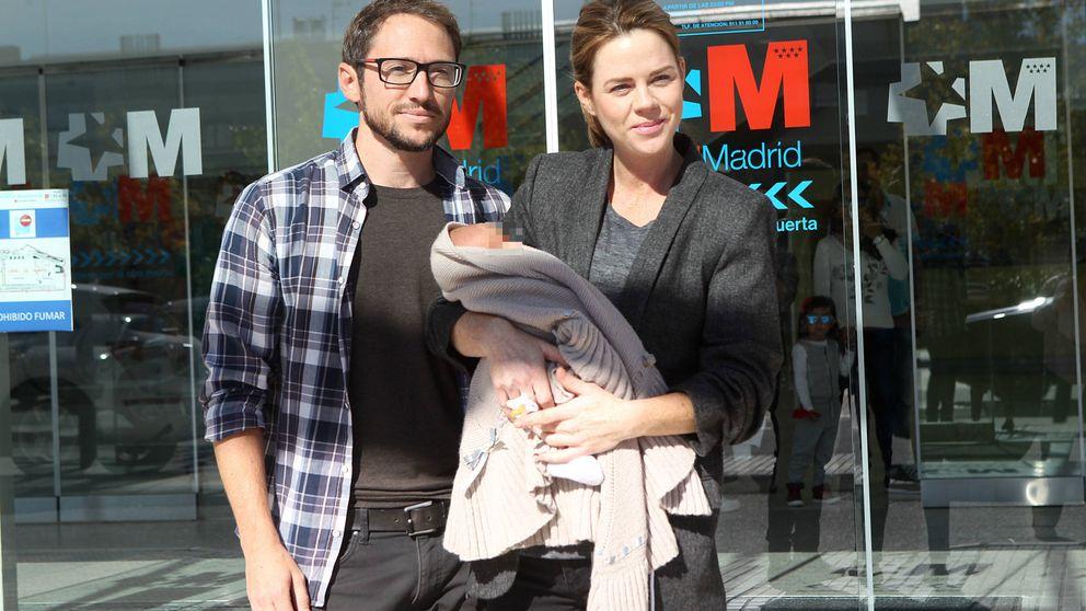 Amelia Bono y Manuel Martos presentan a su cuarto hijo en sociedad