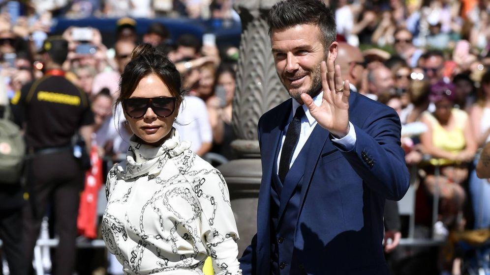 Foto: Los Beckham en la boda de Sergio Ramos y Pilar Rubio. (Cordon Press)