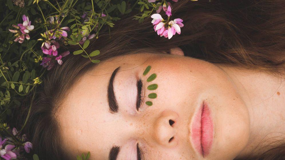 Foto: El descanso y la alimentación son claves para tu piel. (Sarah Comeau)