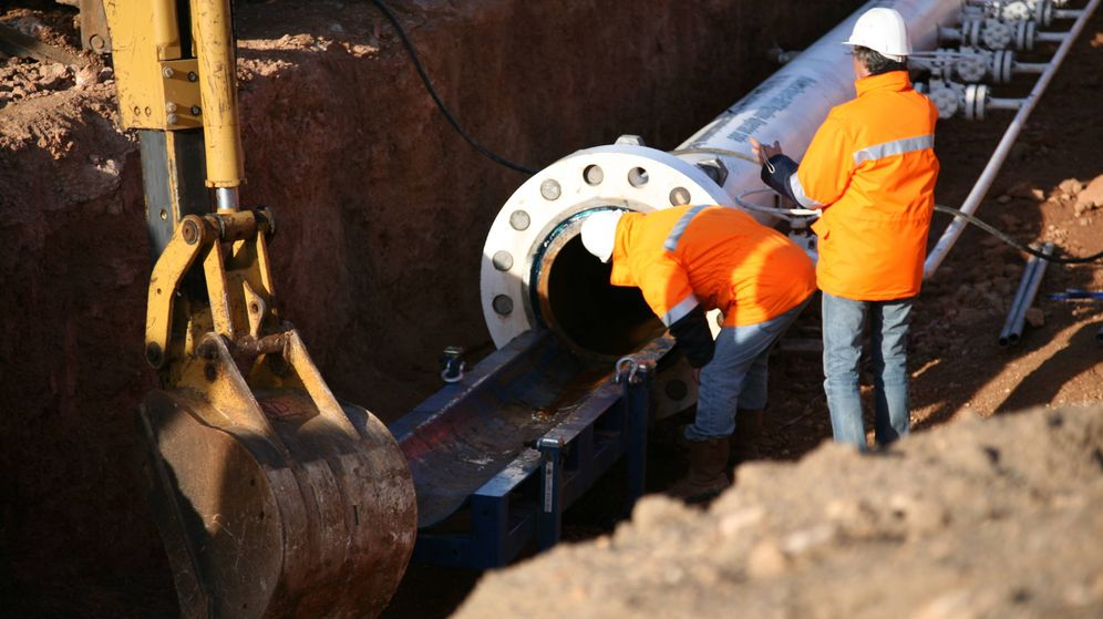 Foto: Pruebas de funcionamiento del gasoducto submarino en Beni Saf (Argelia) en febrero de 2009. (Medgaz)