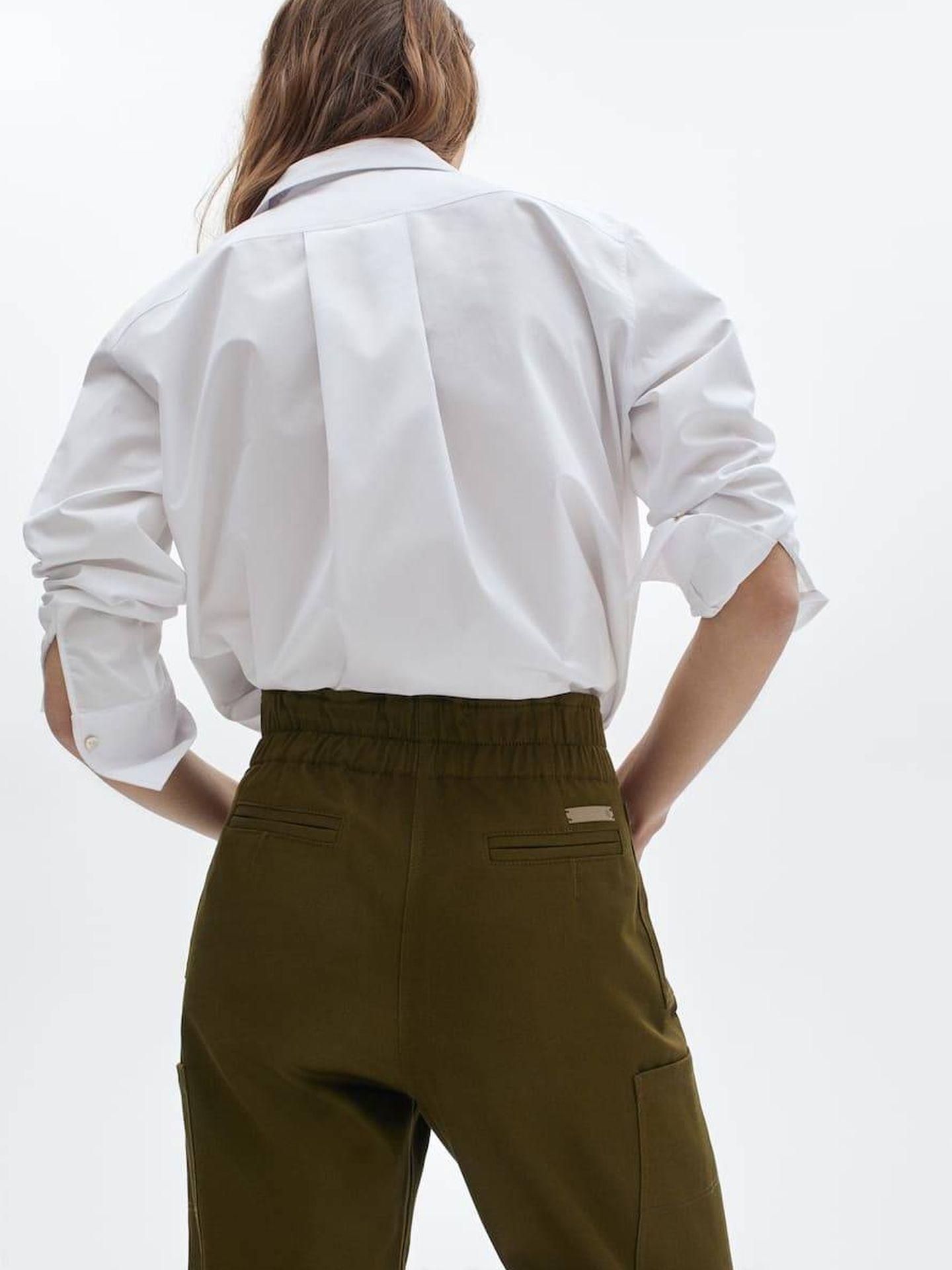 Pantalón cargo de Massimo Dutti. (Cortesía)