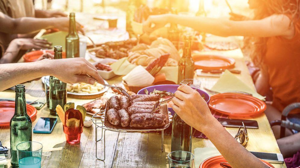 Foto: Un banquete rico en grasas propio de estos días. (iStock)