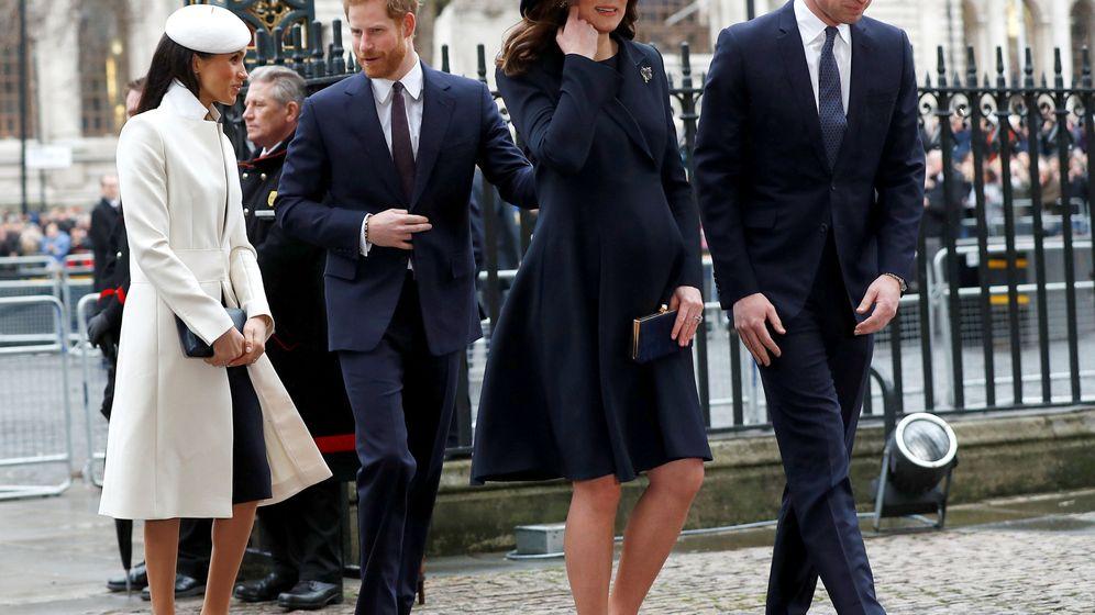 Foto: Guillermo, Kate, Meghan y Harry. (Reuters)
