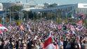Decenas de miles de bielorrusos desafían a Lukashenko pese a la represión