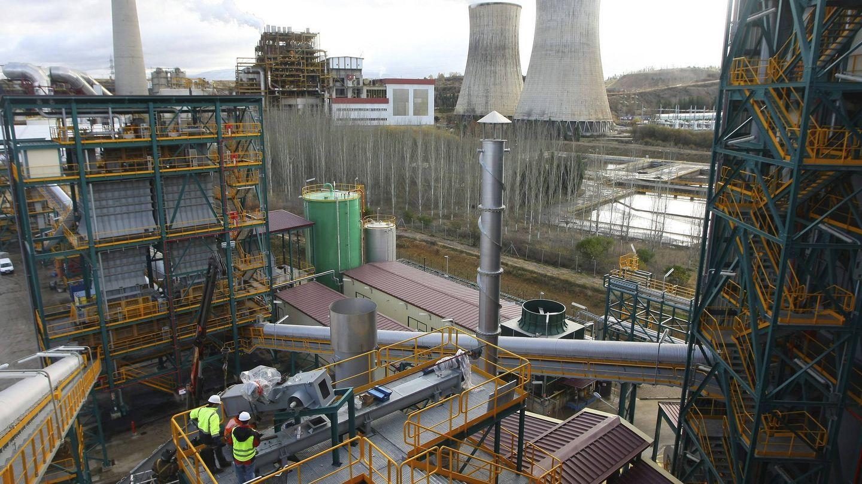 Planta de captura de CO2 de Ciuden junto a la central térmica de Compostilla. (EFE)