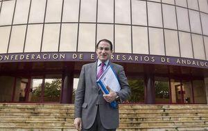 El jefe del empresariado andaluz no invita políticos a su estreno
