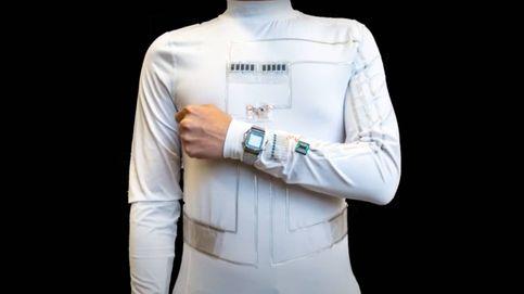 Esta camiseta carga gadgets cuando te mueves o sudas