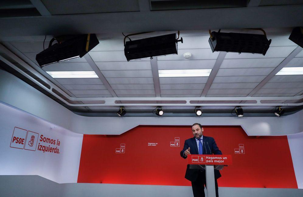 Foto: José Luis Ábalos, secretario de Organización del PSOE, este 7 de mayo en rueda de prensa en Ferraz. (EFE)