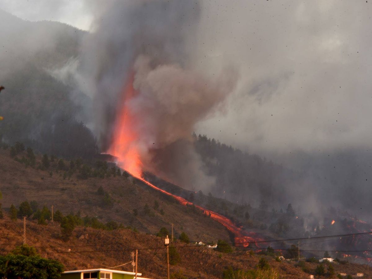 Foto: La erupción volcánica del Cumbre Vieja en La Palma (EFE)