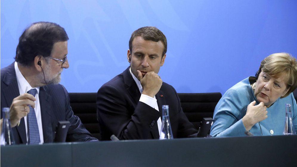 Foto: Los presidentes de España, Mariano Rajoy, Francia, Emmanuel Macron, y Alemania, Angela Merkel. (EFE)