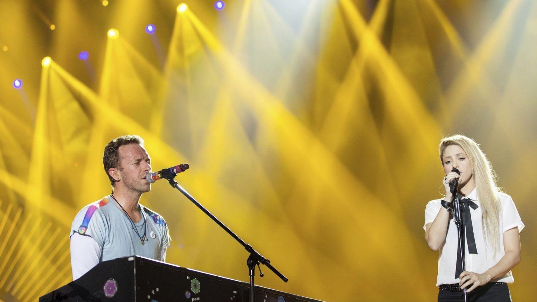 El cantante de Coldplay, Chris Martin, y Shakira en Hamburgo en julio de este año. (Foto: EFE)