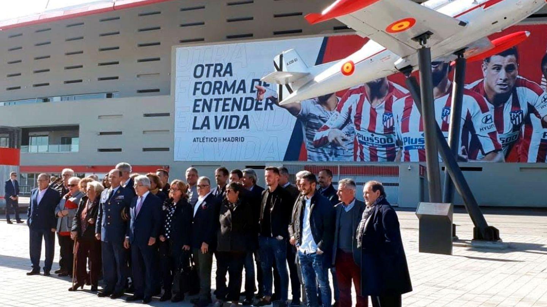 Monumento al Aviación en el Wanda Metropolitano. (EFE)