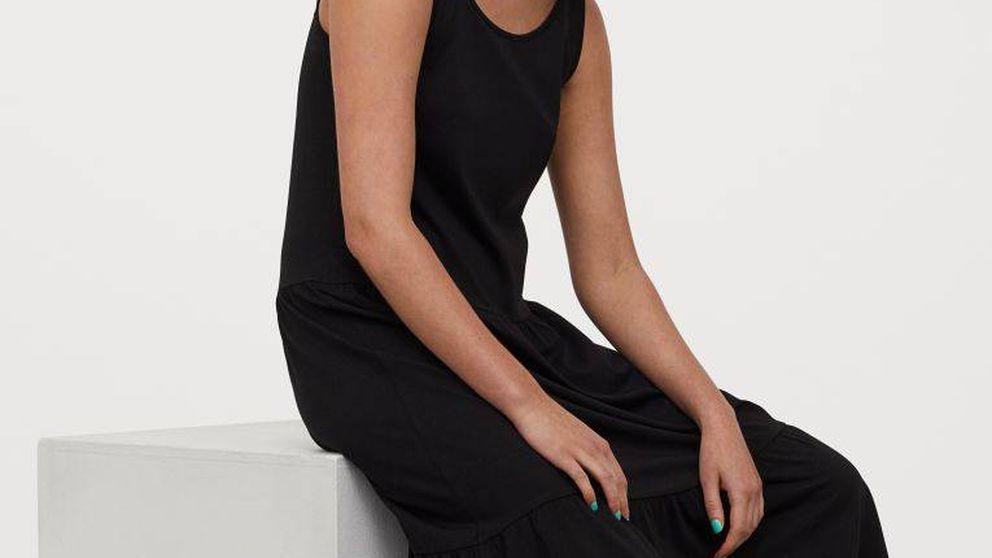 H&M ha creado el vestido negro infalible para llevar en verano