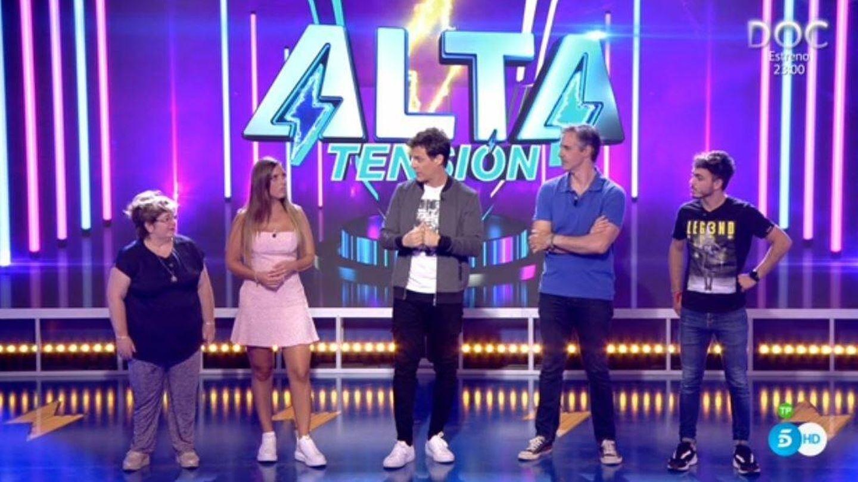 Christian Gálvez y los concursantes de 'Alta tensión'. (Mediaset España)