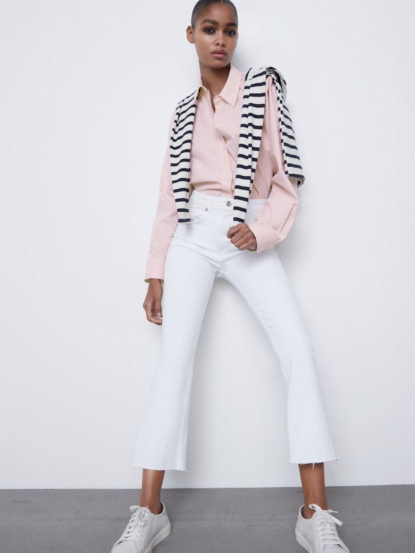 Vaquero blanco de Zara. (Cortesía)