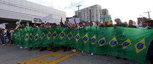 Los 'indignados' de Brasil quieren terminar a golpes con la clase política