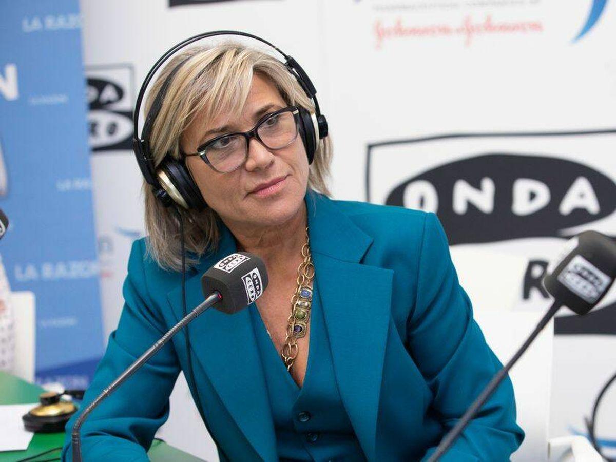 Foto: Julia Otero, en la radio. (Onda Cero)