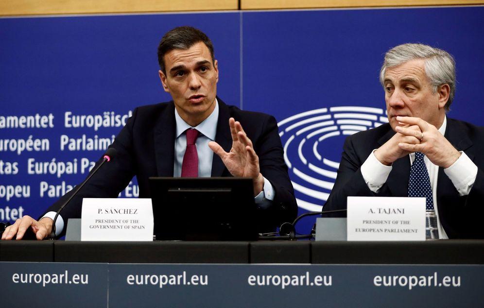 Foto: Pedro Sánchez, durante su rueda de prensa con Antonio Tajani, presidente del Parlamento Europeo, este 16 de enero en Estrasburgo. (EFE)