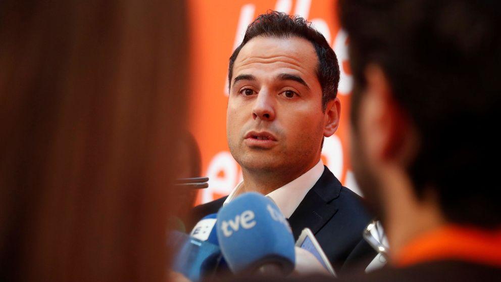 Cs cree que Vox va de farol: negociará con el PP primero la capital y luego la comunidad