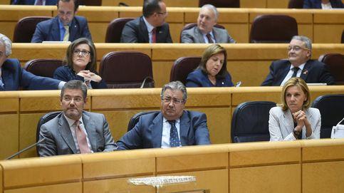 Zoido afirma que los refuerzos no saldrán de Cataluña hasta que no haya orden público