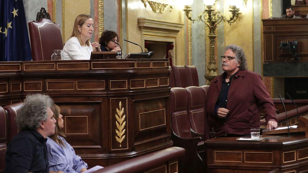 Foto: La presidenta del Congreso, Ana Pastor, llama al orden al portavoz de ERC, Joan Tardá. (EFE)