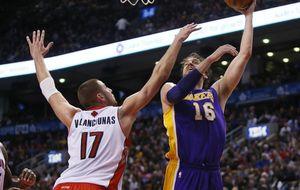 Gasol vuelve a ser capital en la victoria de los Lakers ante Toronto