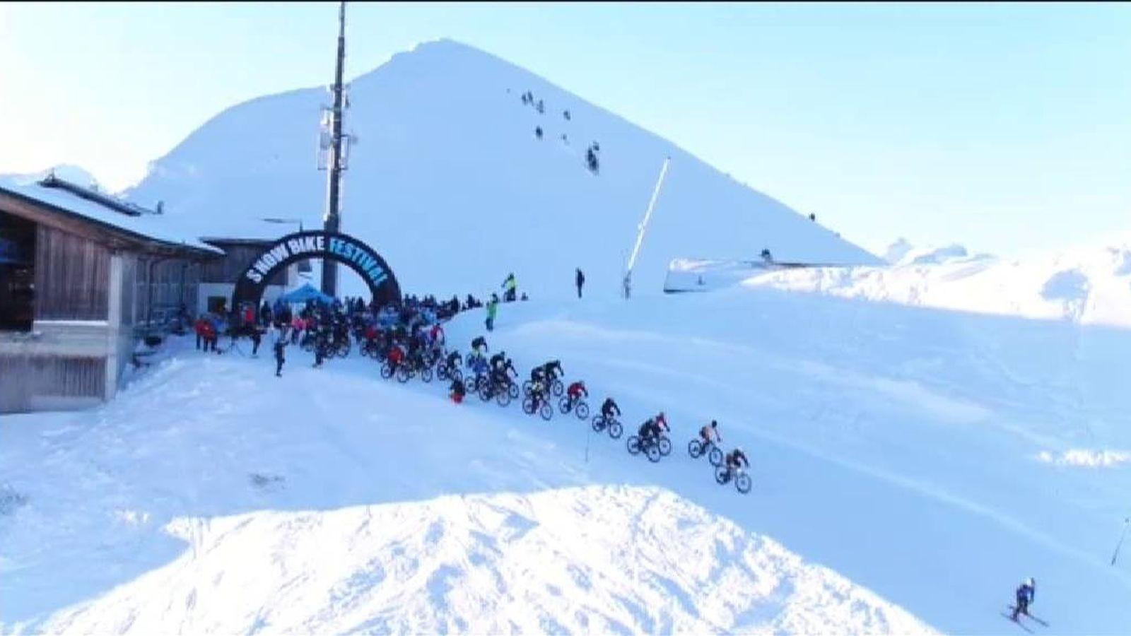 Ciclista Frío Los Que Desafía Festival Suizos Alpes CiclismoEl En fvgy7Yb6
