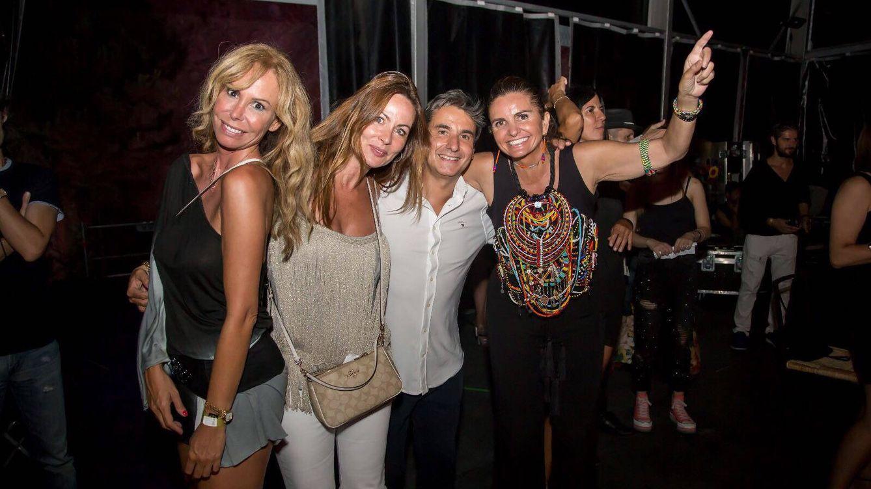 Valeria Mazza y Lara Dibildos se desmelenan en la 'Noche Movida' de Starlite
