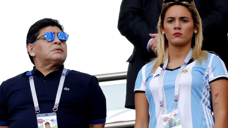 Maradona, con Rocío Oliva en 2018. (EFE)