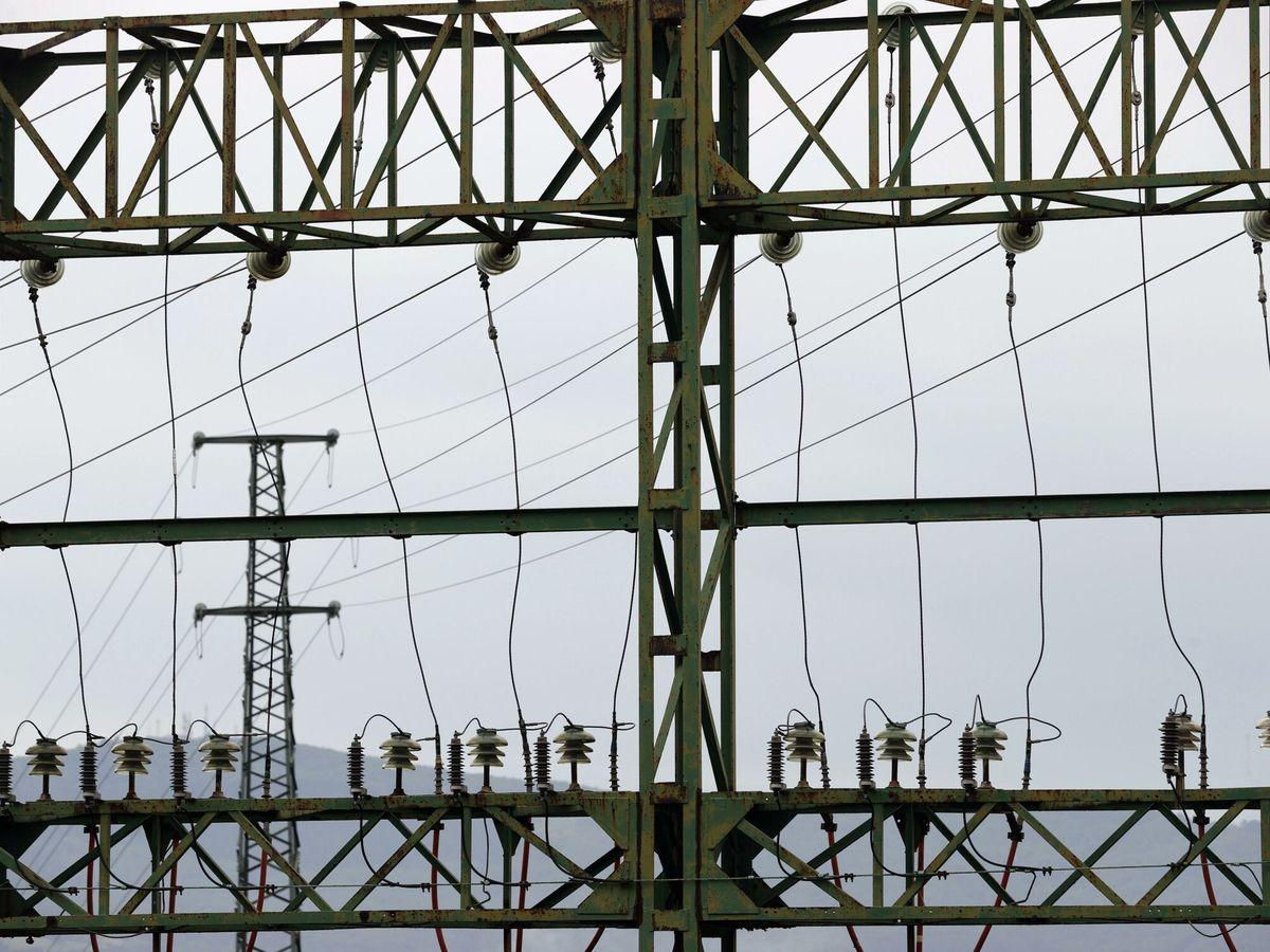 Foto: Tendido eléctrico perteneciente a red eléctrica, en Bilbao. (EFE)