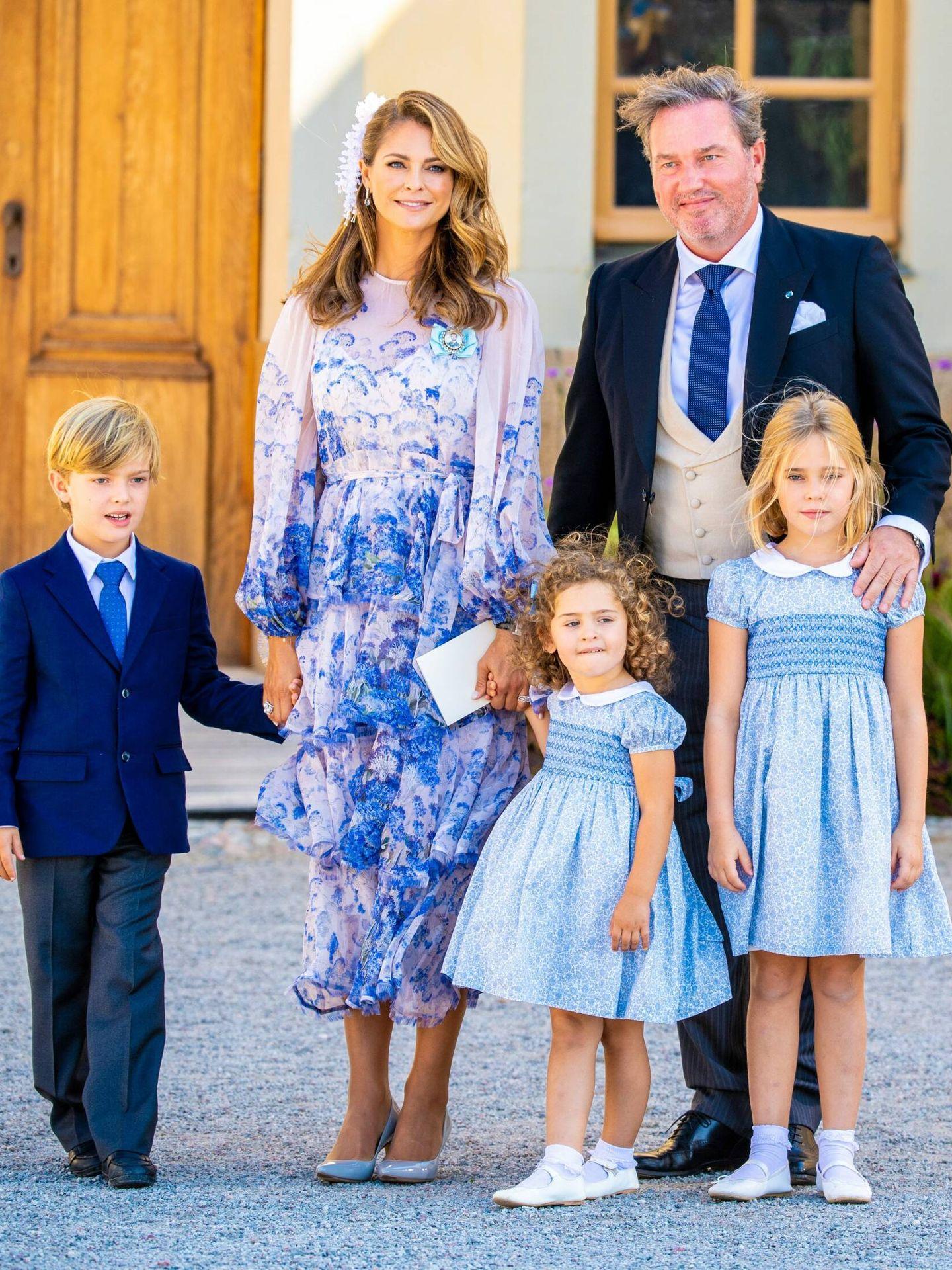 La princesa Magdalena, con sus tres hijos. (CP)