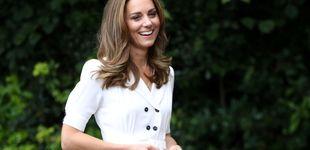 Post de La duquesa de Cambridge repite traje y lo combina con una mascarilla de flores