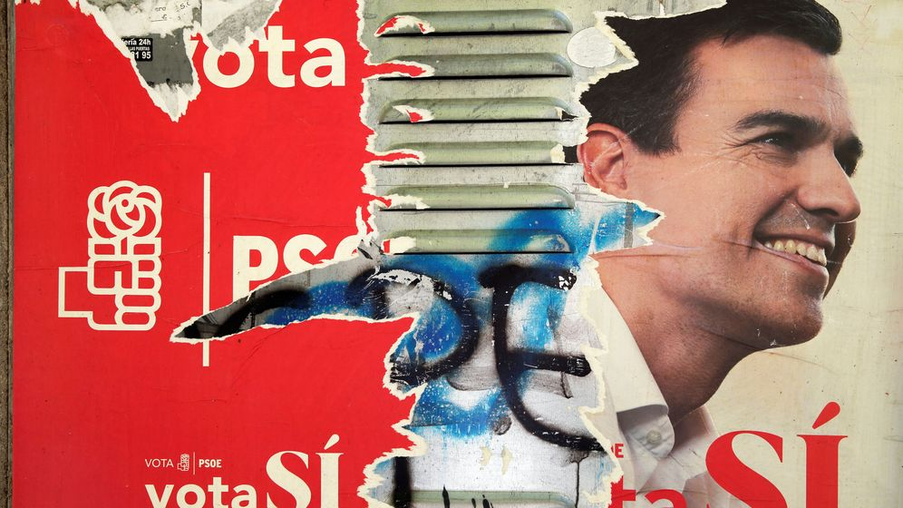 Foto: Cartel del PSOE de las últimas elecciones generales en Madrid, este 29 de septiembre. (Reuters)