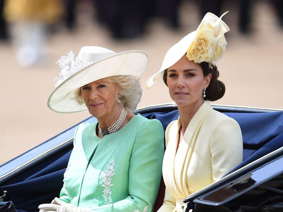 Foto: La duquesa de Cornualles y la duquesa de Cambridge, en el Trooping the Colour de 2019. (EFE)