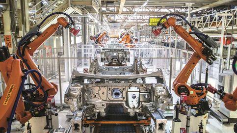 Crisis en los coches, baja demanda, 'chipagedon'… pero vuelan en bolsa