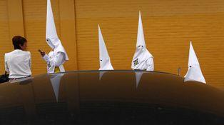 Americanos, Semana Santa y Ku Klux Klan: casi una tradición en la ACB