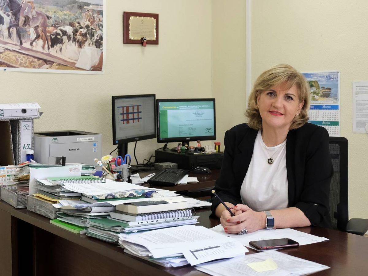 Foto: La forense, en su despacho. (Juan López Cepero)
