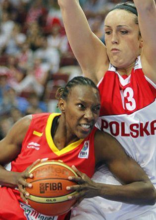 Foto: La selección femenina impone sus mayores recursos a Polonia y pasa segunda de grupo