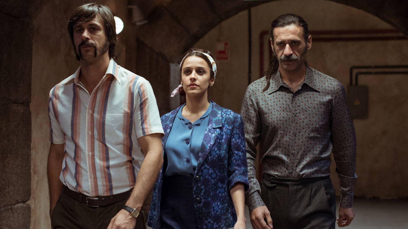Foto: Los tres protagonistas de 'El Ministerio del Tiempo' en su final. (TVE)