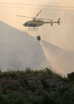 Muere otro bombero, mientras una quincena de incendios siguen en activo