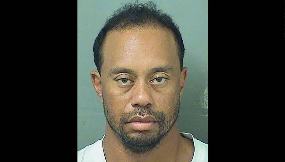 Foto: Imagen policial de Tiger Woods tras su arresto.