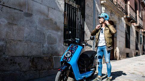 Cabify pasa de la guerra del taxi: pone motos eléctricas chinas en las calles de Madrid