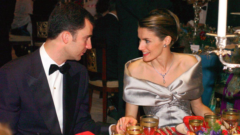 Foto: Don Felipe y doña Letizia, en la cena previa a su boda. (Gtres)